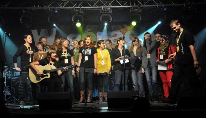 Wolontariat w 2010 r. na scenie
